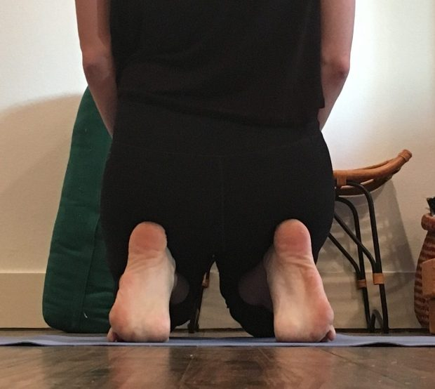 Yin Yoga - Toe squat